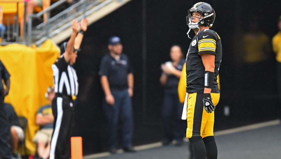 PITTSBURGH, PA - OCTOBER 08: Ben Roethlisberger #7 of the Pittsburgh Steelers reacts after throwing an interception that was returned for a touchdown in the second half during the game against the Jacksonville Jaguars at Heinz Field on October 8, 2017 in Pittsburgh, Pennsylvania. (Photo by Joe Sargent/Getty Images)