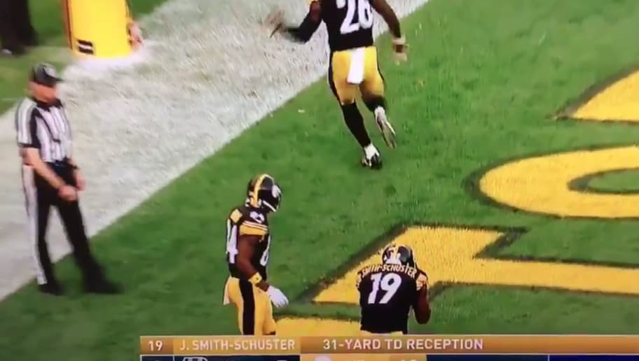 2f7ef1ccb8b VIDEO  Watch Steelers Break Out Amazing Celebration After Wide-Open JuJu  Smith-Schuster TD