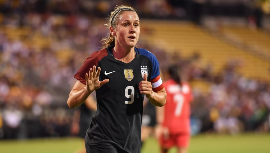 COLUMBUS, OH - SEPTEMBER 15:  Heather O'Reilly #9 of the US Women's National Team signals for the ball for a corner kick against Thailand on September 15, 2016 at MAPFRE Stadium in Columbus, Ohio. The United States defeated Thailand 9-0.  (Photo by Jamie Sabau/Getty Images)