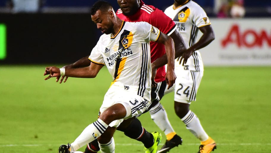 CARSON, CA - JULY 15:  Romelo Lukaku #9 of Manchester United chases after Ashley Cole #3 of Los Angeles Galaxy during the second half of a 5-2 United victory at StubHub Center on July 15, 2017 in Carson, California.  (Photo by Harry How/Getty Images)