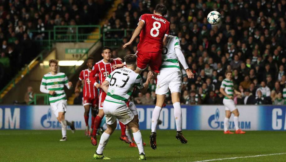 GLASGOW, SCOTLAND - OCTOBER 31: Javi Martínez of Bayern Munich scores his team's sec ond goal during the UEFA Champions League group B match between Celtic FC and Bayern Muenchen at Celtic Park on October 31, 2017 in Glasgow, United Kingdom. (Photo by Ian MacNicol/Getty Images)
