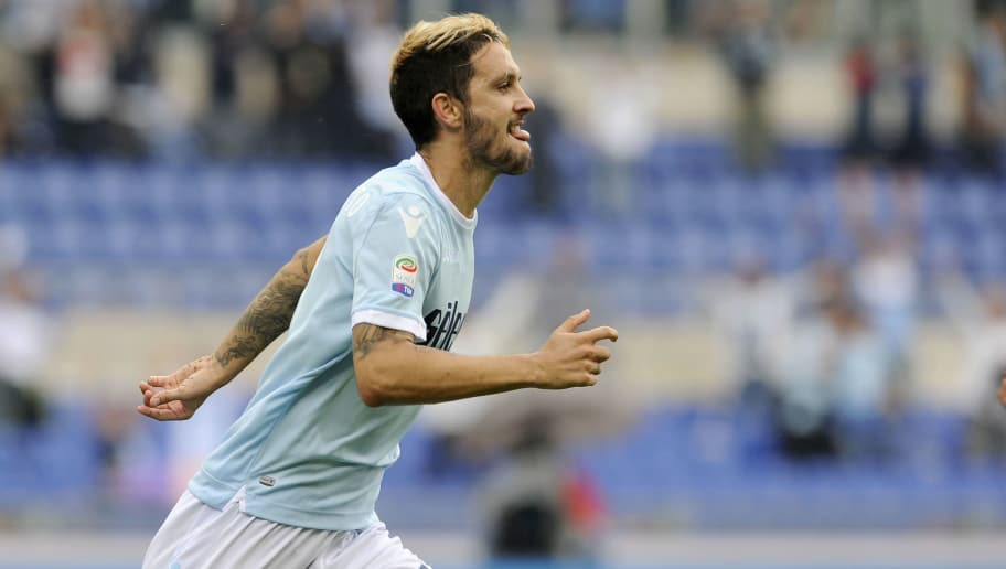 ROME, ROMA - OCTOBER 01:  Luis Alberto of SS Lazio celebrates a third gaol with his team mates  during the Serie A match between SS Lazio and US Sassuolo at Stadio Olimpico on October 1, 2017 in Rome, Italy.  (Photo by Marco Rosi/Getty Images)