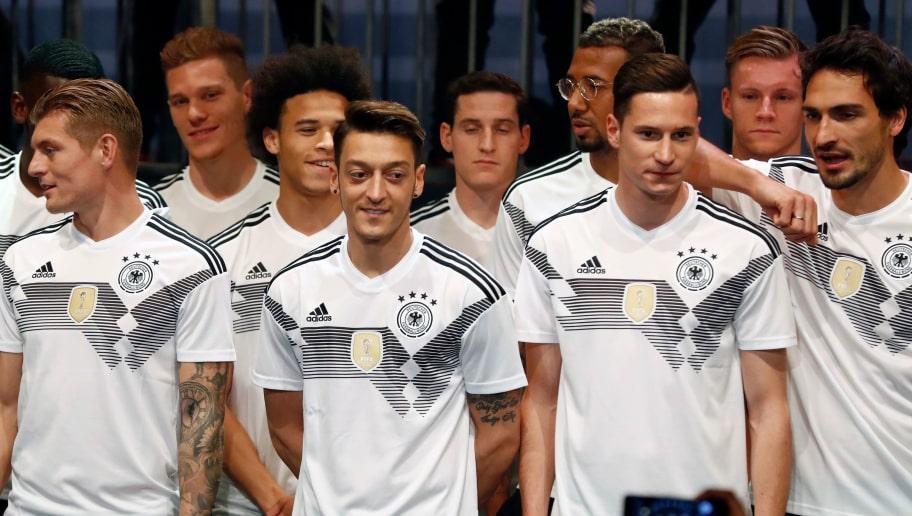 Deutschland, Argentinien und Co. | Die Adidas Trikots für
