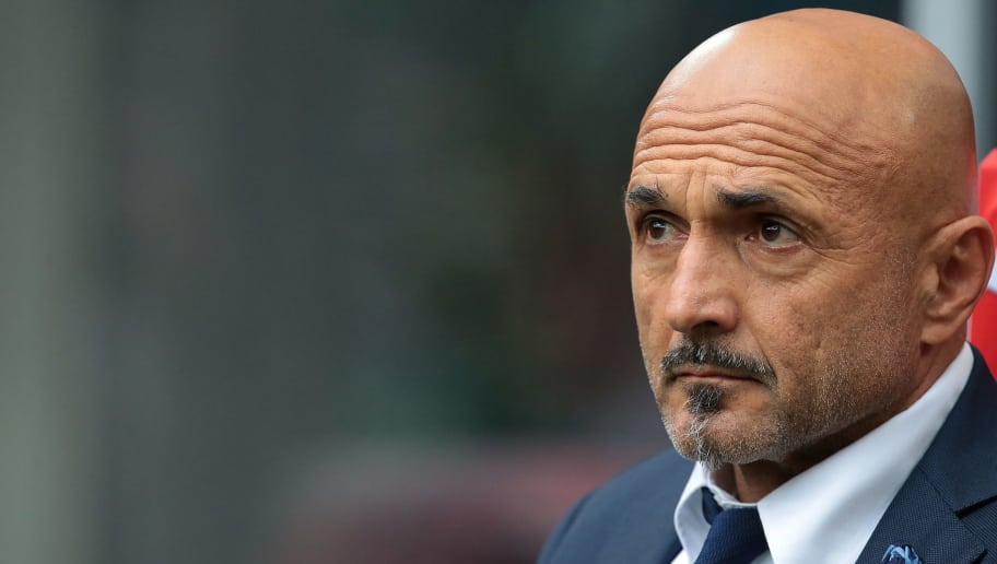 MILAN, ITALY - NOVEMBER 05:  FC Internazionale Milano coach Luciano Spalletti looks on before the Serie A match between FC Internazionale and Torino FC at Stadio Giuseppe Meazza on November 5, 2017 in Milan, Italy.  (Photo by Emilio Andreoli/Getty Images )