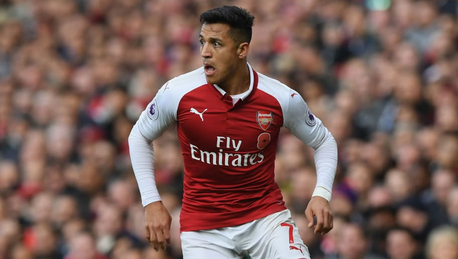 LONDON, ENGLAND - OCTOBER 28:  Alexis Sanchez of Arsenal in action during the Premier League match between Arsenal and Swansea City at Emirates Stadium on October 28, 2017 in London, England.  (Photo by Shaun Botterill/Getty Images)