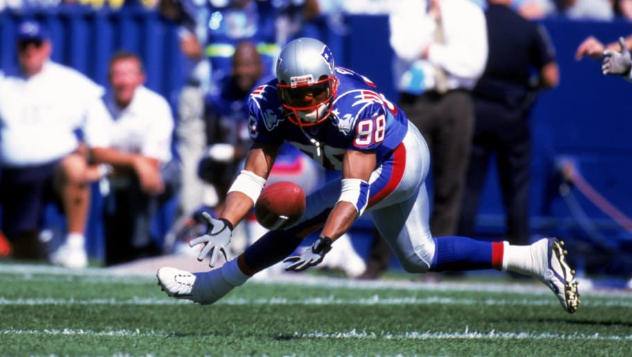 19 Sep 1999:  Terry Glenn #88 of the New England Patriots runs to get the ball during the game against the Indianapolis Colts at the Foxboro Stadium in Foxboro, Massachusetts. The Patriots defeated the Colts 31-28. Mandatory Credit: Rick Stewart  /Allsport