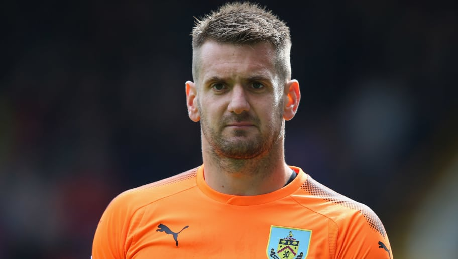 BURNLEY, ENGLAND - SEPTEMBER 10:  Tom Heaton of Burnley during the Premier League match between Burnley and Crystal Palace at Turf Moor on September 10, 2017 in Burnley, England.  (Photo by Alex Livesey/Getty Images)