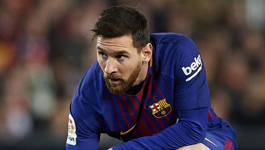 VALENCIA, SPAIN - NOVEMBER 26:  Lionel Messi of Barcelona reacts on the pitch during the La Liga match between Valencia and Barcelona at Estadio Mestalla on November 26, 2017 in Valencia, Spain.  (Photo by Fotopress/Getty Images)