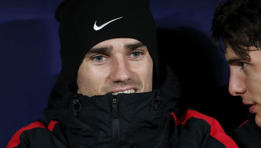 MADRID, SPAIN - NOVEMBER 29: Antoine Griezmann of Atletico de Madrid gestures from the bench prior to start the Copa del Rey second leg match between Club Atletico de Madrid and Elche CF at Estadio Wanda Metropolitano on November 29, 2017 in Madrid, Spain. (Photo by Gonzalo Arroyo Moreno/Getty Images)