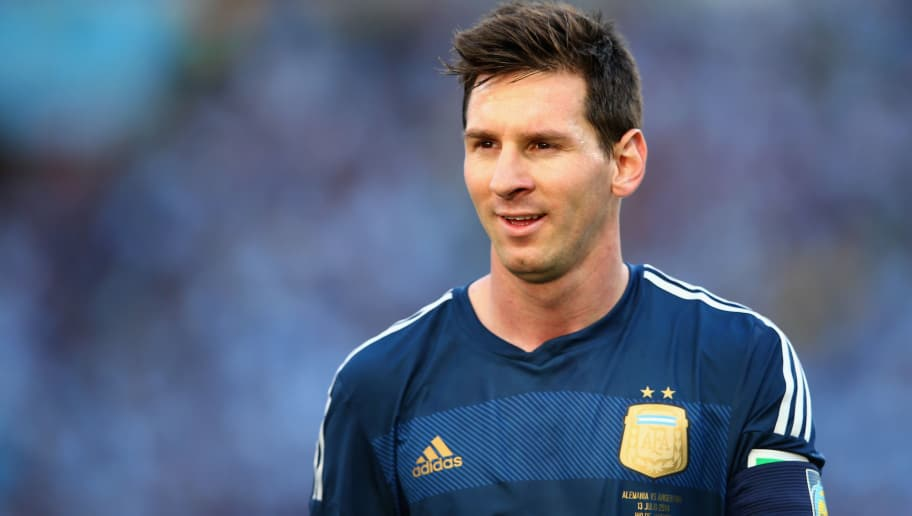 RIO DE JANEIRO, BRAZIL - JULY 13: Lionel Messi of Argentina looks on during the 2014 FIFA World Cup Brazil Final match between Germany and Argentina at Maracana on July 13, 2014 in Rio de Janeiro, Brazil.  (Photo by Julian Finney/Getty Images)