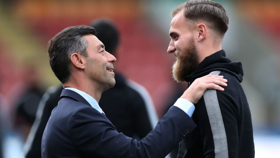 GLASGOW, SCOTLAND - SEPTEMBER 19: Rangers manager Pedro Caixinha and Jak Alnwick are seen prior to the Betfred League Cup Quarter Final at Firhill Stadium on September 19, 2017 in Glasgow, Scotland. (Photo by Ian MacNicol/Getty Images)
