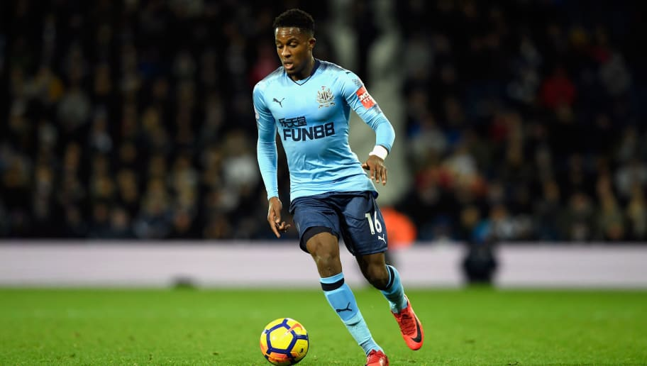 WEST BROMWICH, ENGLAND - NOVEMBER 28:  Newcastle winger Rolando Aarons in action during the Premier League match between West Bromwich Albion and Newcastle United at The Hawthorns on November 28, 2017 in West Bromwich, England.  (Photo by Stu Forster/Getty Images)