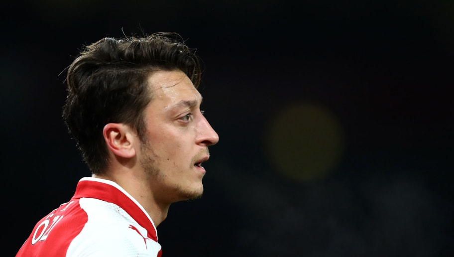 LONDON, ENGLAND - DECEMBER 02:  Mesut Ozil of Arsenal looks on during the Premier League match between Arsenal and Manchester United at Emirates Stadium on December 2, 2017 in London, England.  (Photo by Julian Finney/Getty Images)