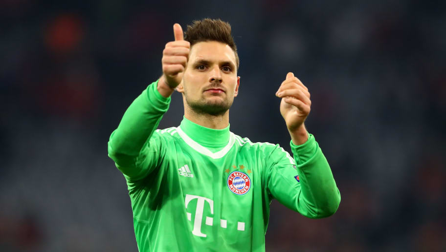 MUNICH, GERMANY - DECEMBER 05: Sven Ulreich of Bayern Muenchen shows appreciation to the fans after the UEFA Champions League group B match between Bayern Muenchen and Paris Saint-Germain at Allianz Arena on December 5, 2017 in Munich, Germany.  (Photo by Alexander Hassenstein/Bongarts/Getty Images)