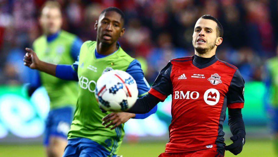 TORONTO, ON - DECEMBER 09:  Sebastian Giovinco #10 of Toronto FC chases the ball with Kelvin Leerdam #18 of the Seattle Sounders during the first half of the 2017 MLS Cup Final at BMO Field on December 9, 2017 in Toronto, Ontario, Canada.  (Photo by Vaughn Ridley/Getty Images)