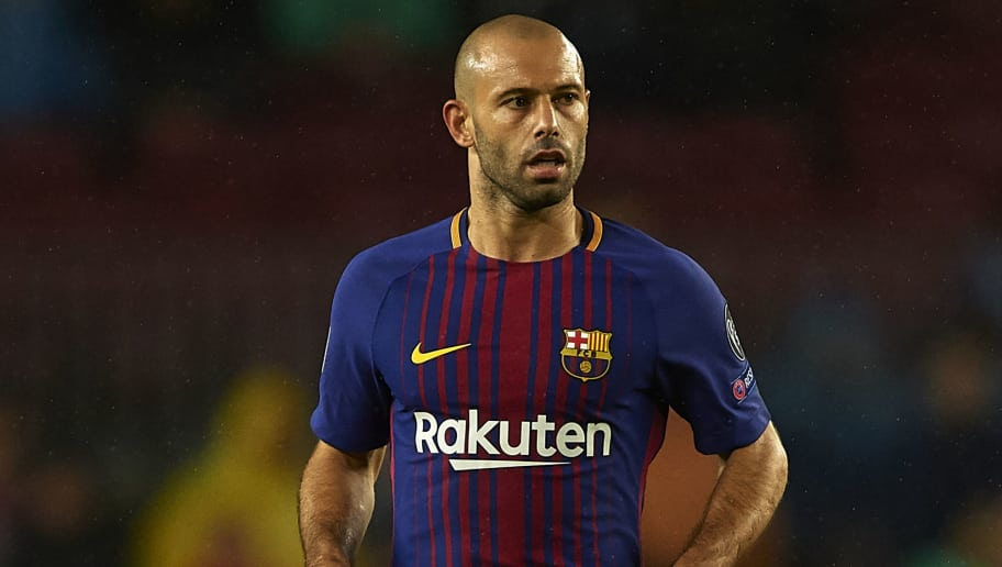 BARCELONA, SPAIN - OCTOBER 18:  Javier Mascherano of Barcelona in action during the UEFA Champions League group D match between FC Barcelona and Olympiakos Piraeus at Camp Nou on October 18, 2017 in Barcelona, Spain.  (Photo by Manuel Queimadelos Alonso/Getty Images)