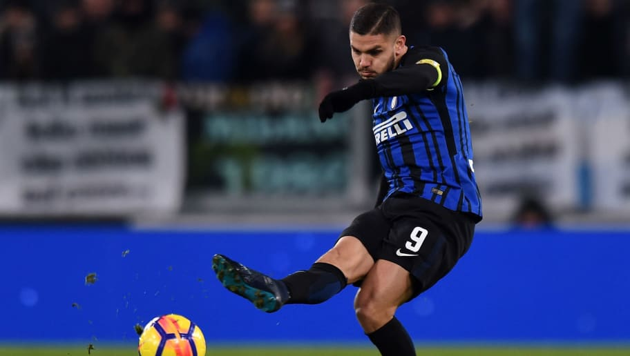 TURIN, ITALY - DECEMBER 09:  Mauro Icardi of Internazionale in action during the Serie A match between Juventus and FC Internazionale at Allianz Stadium on December 9, 2017 in Turin, Italy.  (Photo by Tullio M. Puglia/Getty Images)
