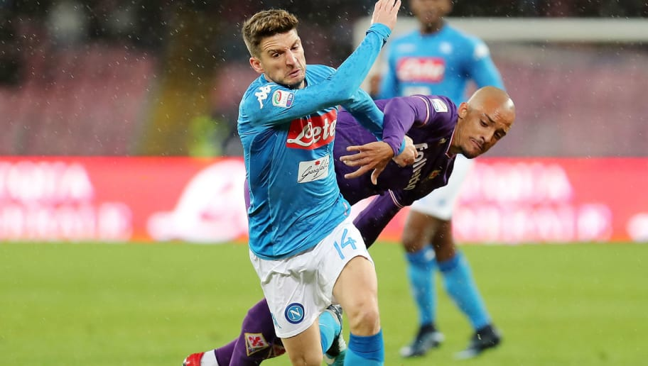 NAPLES, ITALY - DECEMBER 10:  Player of SSC Napoli Dries Mertens vies with ACF Fiorentina player Bruno Gaspar during the Serie A match between SSC Napoli and ACF Fiorentina at Stadio San Paolo on December 10, 2017 in Naples, Italy.  (Photo by Francesco Pecoraro/Getty Images)