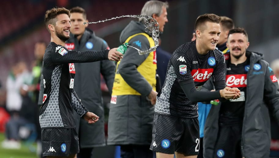 NAPLES, ITALY - NOVEMBER 18:  Piotr Zielinski and Dries Mertens of SSC Napoli celebrate the 2-0 goal scored by Piotr Zielinski during the Serie A match between SSC Napoli and AC Milan at Stadio San Paolo on November 18, 2017 in Naples, Italy.  (Photo by Francesco Pecoraro/Getty Images)