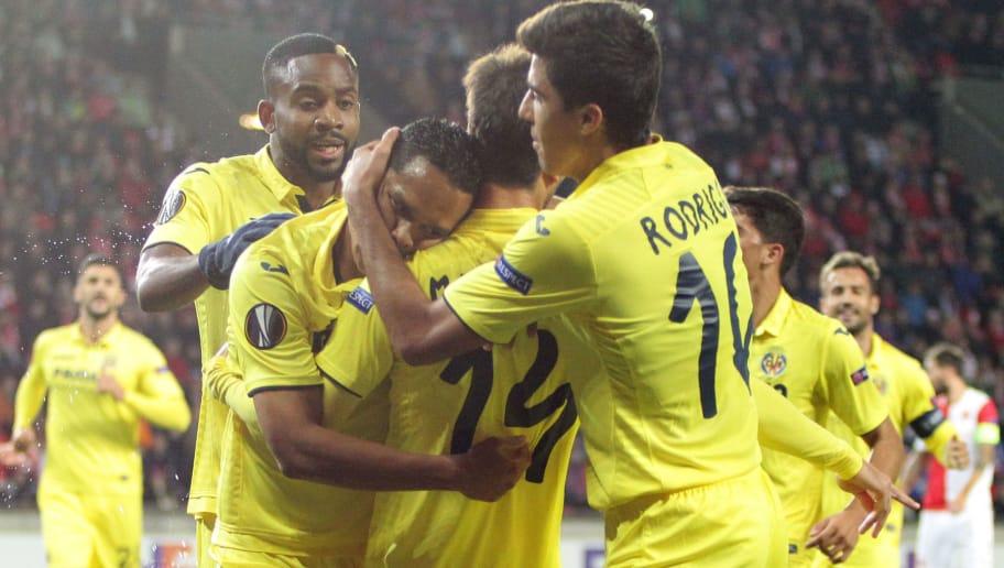 Villarreal's players celebrates scoring during the UEFA Europa League group A football match Slavia Prague v Villarreal in Prague on November 2, 2017.  / AFP PHOTO / MILAN KAMMERMAYER        (Photo credit should read MILAN KAMMERMAYER/AFP/Getty Images)