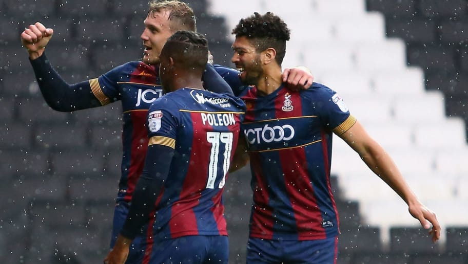 MILTON KEYNES, ENGLAND - OCTOBER 07:  Charlie Wyke of Bradford City celebrates scoring his side's third goal with teammates during the Sky Bet League One match between Milton Keynes Dons and Bradford City at StadiumMK on October 7, 2017 in Milton Keynes, England.  (Photo by Harry Murphy/Getty Images)