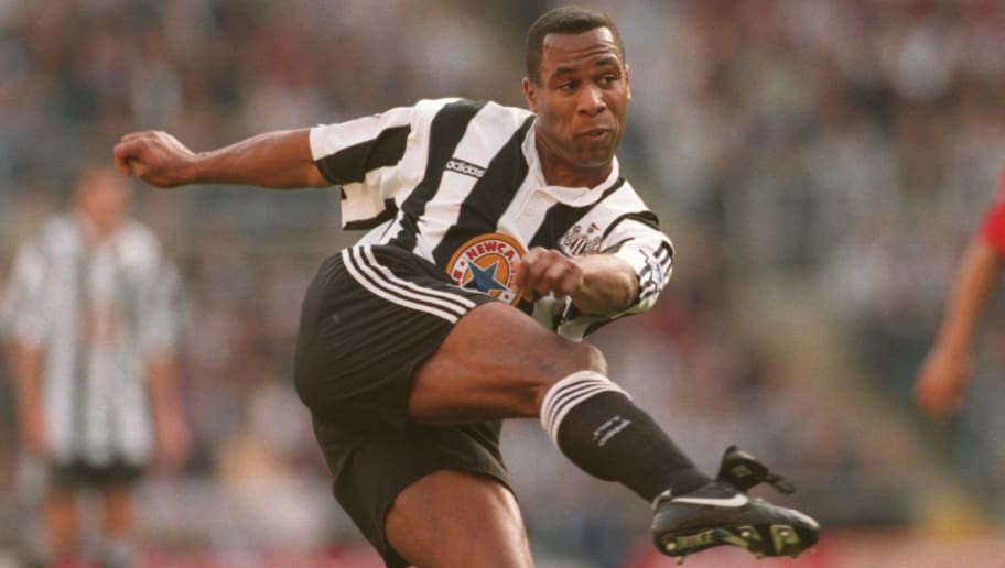 21 OCT 1995:  LES FERDINAND IN ACTION FOR NEWCASTLE AGAINST WIMBLEDON DURING THE PREMIER LEAGUE MATCH AT ST JAMES PARK. NEWCASTLE WON 6-1. Mandatory Credit: Ross Kinnaird/ALLSPORT