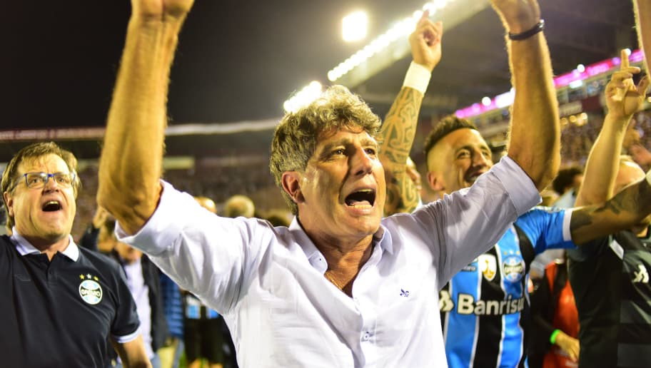 LANUS, ARGENTINA - NOVEMBER 29: Renato Gaucho coach of Gremio celebrates after winning the Copa CONMEBOL Libertadores Bridgestone after the second leg match between Lanus and Gremio as part of Copa CONMEBOL Libertadores  Bridgestone 2017 Final at Ciudad de Lanus Stadium on November 29, 2017 in Lanus, Argentina. (Photo by Amilcar Orfali/Getty Images)