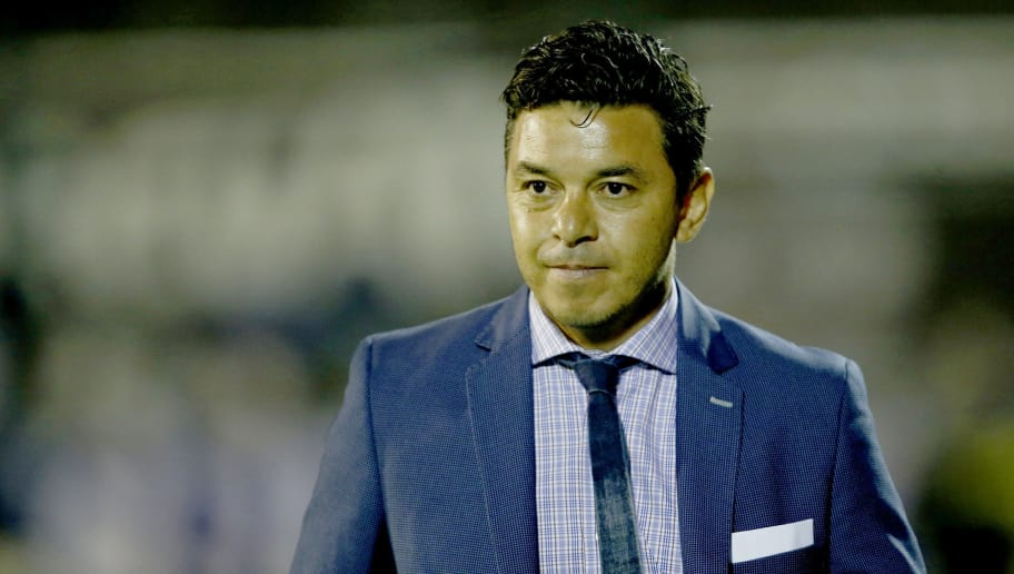 LA PLATA, ARGENTINA - DECEMBER 03:  Marcelo Gallardo coach of River Plate looks on during a match between Gimnasia y Esgrima La Plata and River Plate as part of the Superliga 2017/18 at Juan Carlos Zerillo Stadium on December 03, 2017 in La Plata, Argentina. (Photo by Demian Alday/Getty Images)