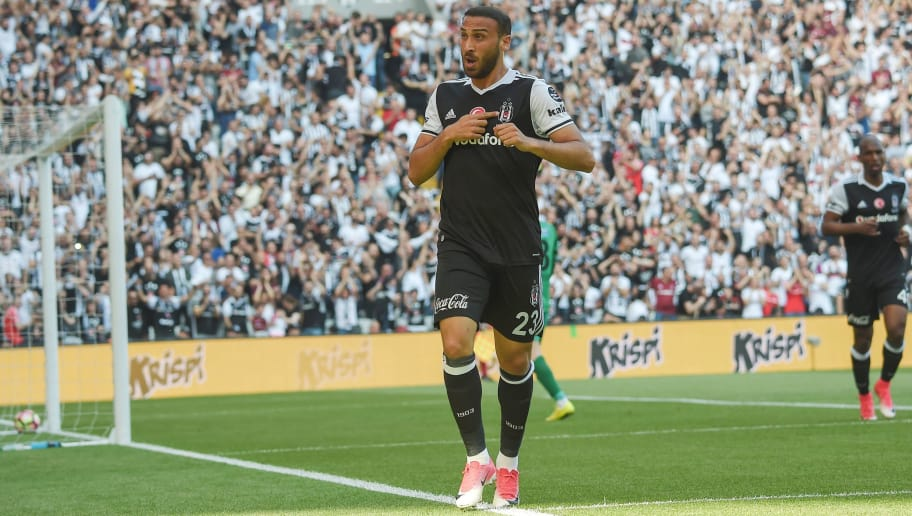 Besiktas' Turkish forward Cenk Tosun (C) celebrates with teammates after scoring a goal during the Turkish Spor Toto Super league football match between Besiktas and Osmanl?spor at the Vodafone Park stadium on June 3, 2017 in Istanbul. / AFP PHOTO / OZAN KOSE        (Photo credit should read OZAN KOSE/AFP/Getty Images)