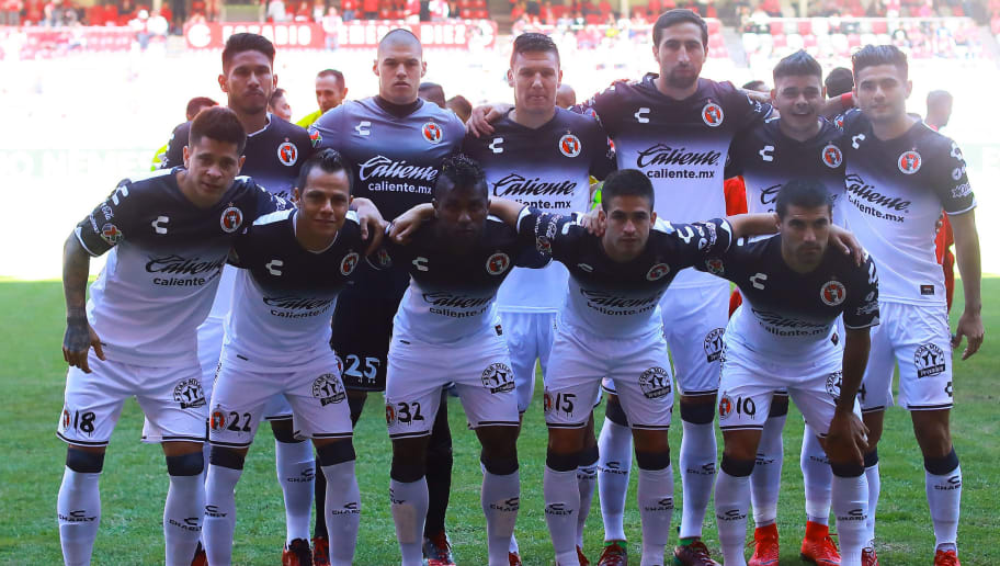 TOLUCA, MEXICO - NOVEMBER 19: Players of Tijuana pose for a photo prior the 17th round match between Toluca and Tijuana as part of the Torneo Apertura 2017 Liga MX at Nemesio Diez Stadium on November 19, 2017 in Toluca, Mexico. (Photo by Hector Vivas/Getty Images)
