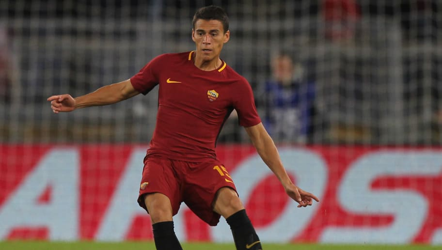 ROME, ITALY - OCTOBER 25:  Hector Moreno of AS Roma in action during the Serie A match between AS Roma and FC Crotone at Stadio Olimpico on October 25, 2017 in Rome, Italy.  (Photo by Paolo Bruno/Getty Images)