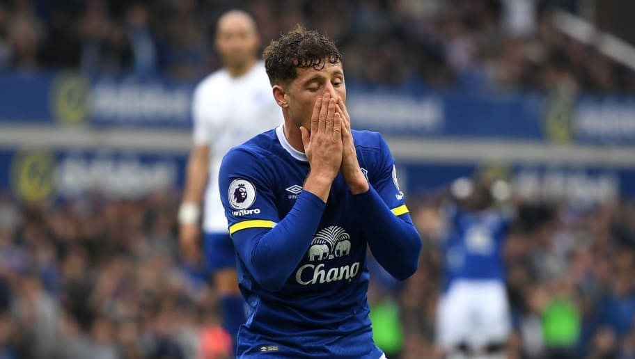 LIVERPOOL, ENGLAND - APRIL 09:  Ross Barkley of Everton reacts after failing to score during the Premier League match between Everton and Leicester City at Goodison Park on April 9, 2017 in Liverpool, England.  (Photo by Michael Regan/Getty Images)