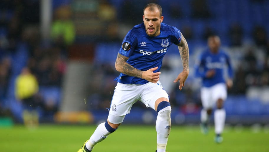 LIVERPOOL, ENGLAND - NOVEMBER 23:  Sandro Ramirez of Everton runs with the ball during the UEFA Europa League group E match between Everton FC and Atalanta at Goodison Park on November 23, 2017 in Liverpool, United Kingdom.  (Photo by Alex Livesey/Getty Images)