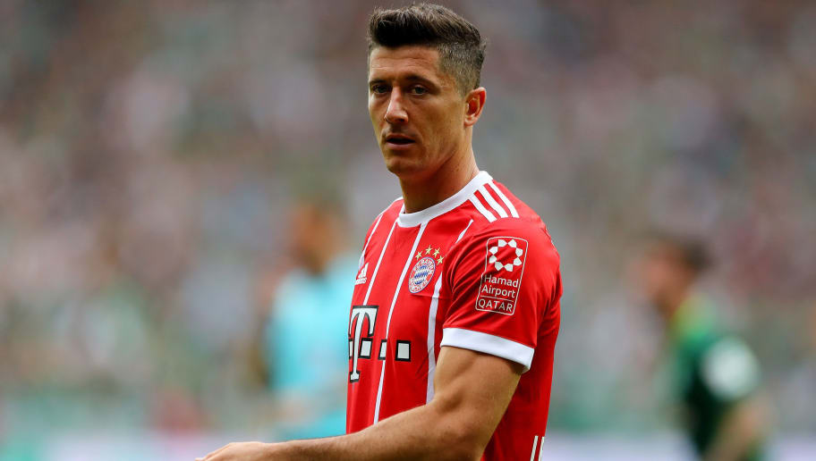 BREMEN, GERMANY - AUGUST 26:  Robert Lewandowski of Muenchen reacts during the Bundesliga match between SV Werder Bremen and FC Bayern Muenchen at Weserstadion on August 26, 2017 in Bremen, Germany.  (Photo by Martin Rose/Bongarts/Getty Images)