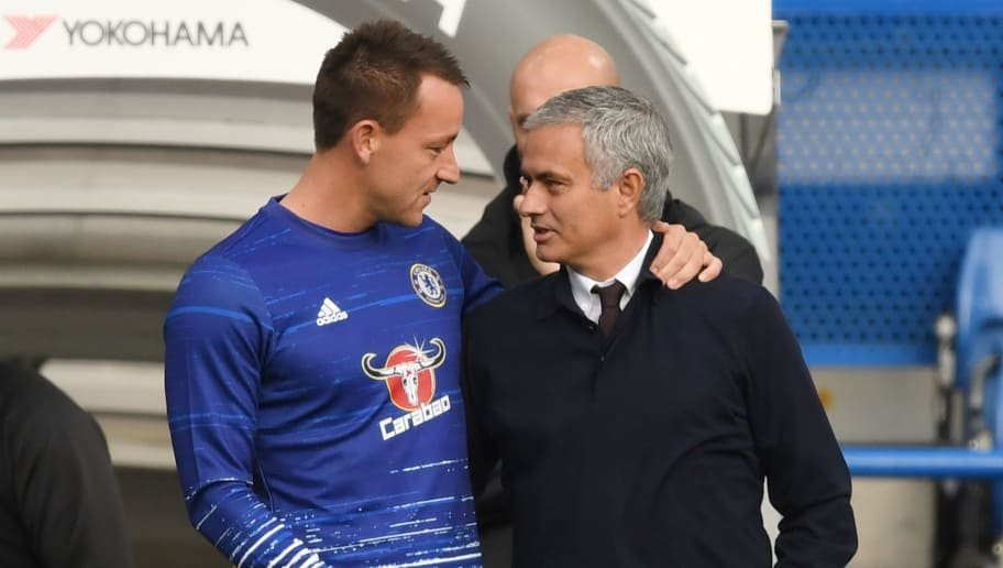 LONDON, ENGLAND - OCTOBER 23:  John Terry of Chelsea greets Jose Mourinho, Manager of Manchester United prior to the Premier League match between Chelsea and Manchester United at Stamford Bridge on October 23, 2016 in London, England.  (Photo by Shaun Botterill/Getty Images)