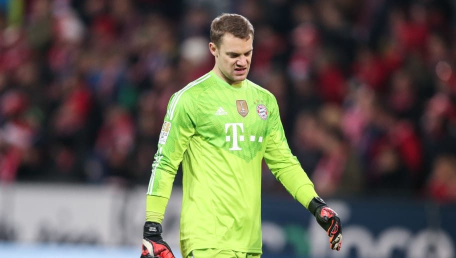 MAINZ, GERMANY - DECEMBER 19:  Goalkeeper Manuel Neuer of Muenchen reacts during the Bundesliga match between 1. FSV Mainz 05 and FC Bayern Muenchen at Coface Arena on December 19, 2014 in Mainz, Germany.  (Photo by Simon Hofmann/Bongarts/Getty Images)