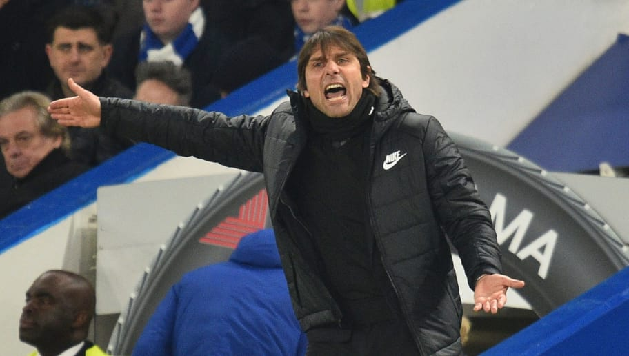 Chelsea's Italian head coach Antonio Conte gestures on the touchline during the English Premier League football match between Chelsea and Leicester City at Stamford Bridge in London on January 13, 2018. / AFP PHOTO / Glyn KIRK / RESTRICTED TO EDITORIAL USE. No use with unauthorized audio, video, data, fixture lists, club/league logos or 'live' services. Online in-match use limited to 75 images, no video emulation. No use in betting, games or single club/league/player publications.  /         (Photo credit should read GLYN KIRK/AFP/Getty Images)