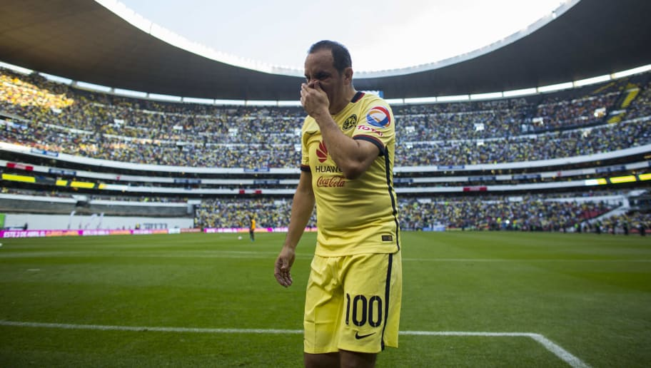 MEXICO CITY, MEXICO - MARCH 05:  Cuauhtemoc Blanco of America leaves the field during the 9th round match between America and Morelia as part of the Clausura 2016 Liga MX at Azteca Stadium on March 05, 2016 in Mexico City, Mexico. Blanco is one of the greatest players in Club America's history and is retiring definitely of soccer at the age of 43. (Photo by Miguel Tovar/LatinContent/Getty Images)