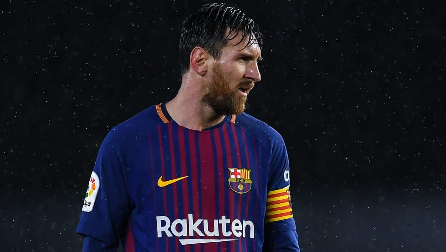 SAN SEBASTIAN, SPAIN - JANUARY 14:  Lionel Messi of FC Barcelona looks on during the La Liga match between Real Sociedad and FC Barcelona at Anoeta stadium on January 14, 2018 in San Sebastian, Spain.  (Photo by David Ramos/Getty Images)