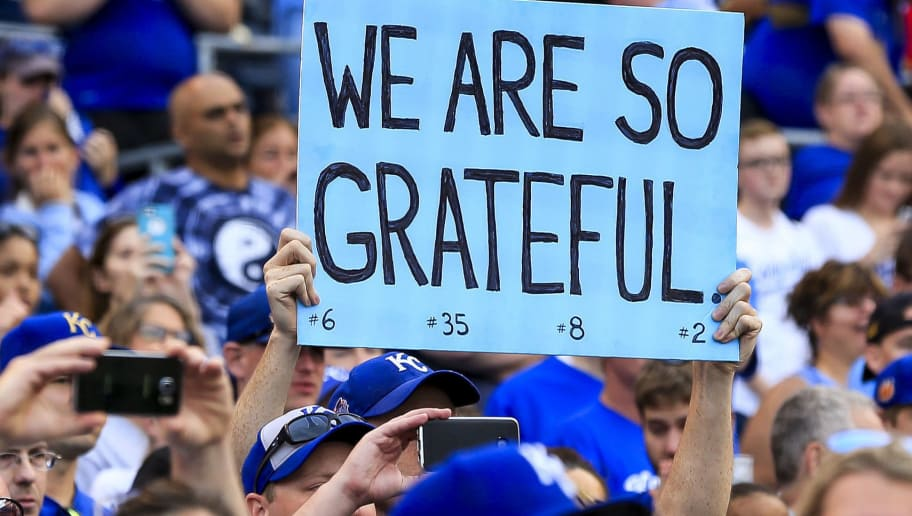 KANSAS CITY, MO - OCTOBER 01: A Kansas City Royals fan holds up a sign to show appreciation after the final game of the year against the Arizona Diamondbacks at Kauffman Stadium on October 1, 2017 in Kansas City, Missouri. (Photo by Brian Davidson/Getty Images)