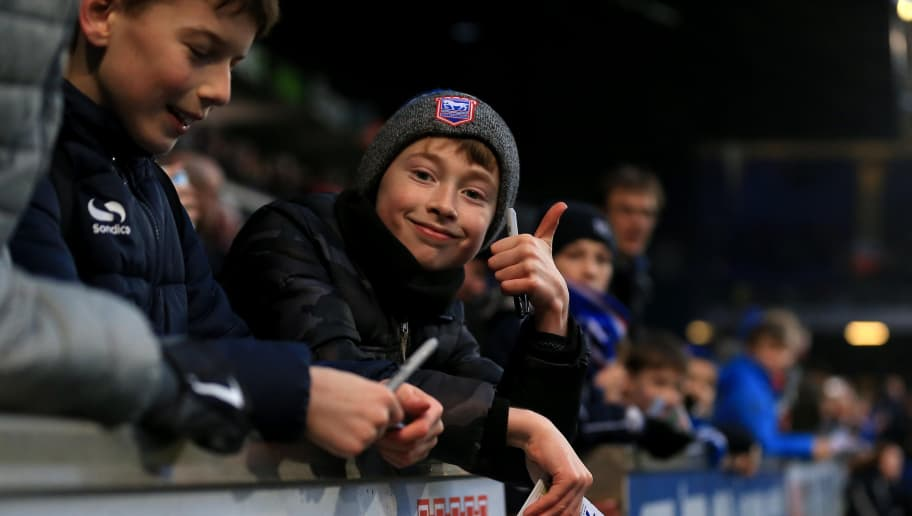 IPSWICH, ENGLAND - JANUARY 13:  Young Ipswich Town fans wait for autographs during the Sky Bet Championship match between Ipswich Town and Leeds United at Portman Road on January 13, 2018 in Ipswich, England. (Photo by Stephen Pond/Getty Images)