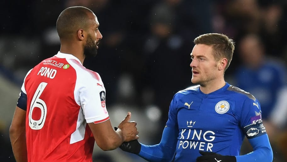 LEICESTER, ENGLAND - JANUARY 16:  Jamie Vardy of Leicester City shakes hands with Nathan Pond of Fleetwood Town after The Emirates FA Cup Third Round Replay match between Leicester City and Fleetwood Town at The King Power Stadium on January 16, 2018 in Leicester, England.  (Photo by Michael Regan/Getty Images )