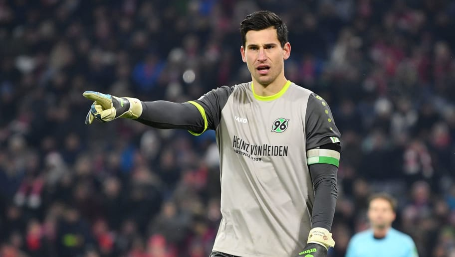 MUNICH, GERMANY - DECEMBER 02: Goalkeeper Philipp Tschauner of Hannover gestures during the Bundesliga match between FC Bayern Muenchen and Hannover 96 at Allianz Arena on December 2, 2017 in Munich, Germany. (Photo by Sebastian Widmann/Bongarts/Getty Images)
