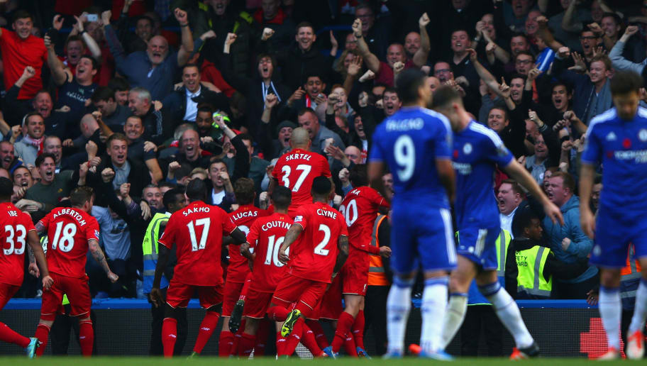 LONDON, ENGLAND - OCTOBER 31: Liverpool players celebrate their third goal by Christian Benteke (obscured) during the Barclays Premier League match between Chelsea and Liverpool at Stamford Bridge on October 31, 2015 in London, England.  (Photo by Ian Walton/Getty Images)