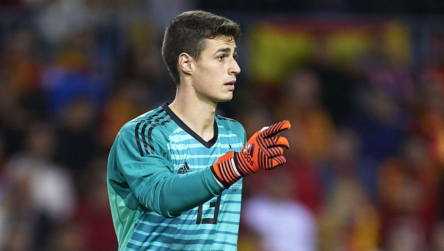 MALAGA, SPAIN - NOVEMBER 11:  Kepa Arrizabalaga of Spain in action during the international friendly match between Spain and Costa Rica at La Rosaleda Stadium on November 11, 2017 in Malaga, Spain.  (Photo by Aitor Alcalde/Getty Images)