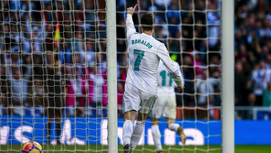 MADRID, SPAIN - JANUARY 21: Cristiano Ronaldo of Real Madrid CF protests to the referee during the La Liga match between Real Madrid CF and Deportivo La Coruna at Estadio Santiago Bernabeu on January 21, 2018 in Madrid, Spain. (Photo by Gonzalo Arroyo Moreno/Getty Images)
