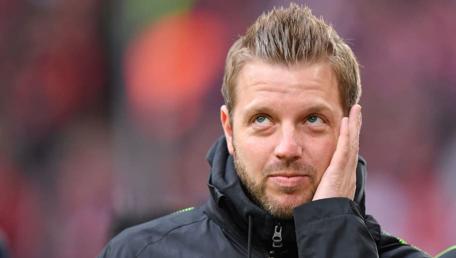 MUNICH, GERMANY - JANUARY 21: Head coach Florian Kohfeldt of Bremen looks on prior to the Bundesliga match between FC Bayern Muenchen and SV Werder Bremen at Allianz Arena on January 21, 2018 in Munich, Germany. (Photo by Sebastian Widmann/Bongarts/Getty Images)