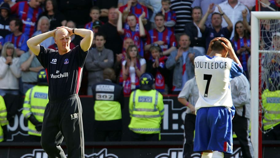 Crystal Palace Manager Iain Dowie (L) gestures as his team lost against Charlton at the Valley in London, 15 May 2005.   AFP PHOTO/ALESSANDRO ABBONIZIO    No telecos, website uses subject to a subscription of a license with FAPL on www.faplweb.com (Photo credit should read Alessandro Abbonizio/AFP/Getty Images)