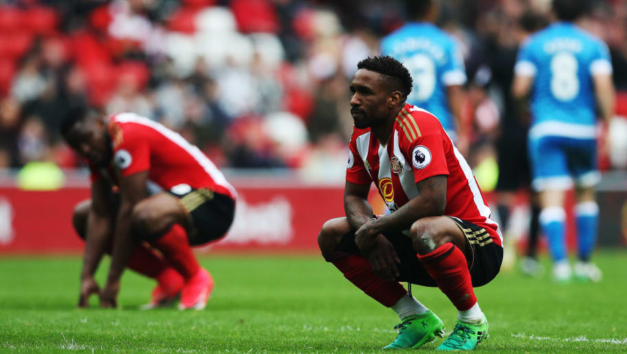 SUNDERLAND, ENGLAND - APRIL 29: Jermain Defoe of Sunderland reacts during the Premier League match between Sunderland and Bournemouth at Stadium of Light on April 29, 2017 in Sunderland, England. (Photo by Ian MacNicol/Getty Images)