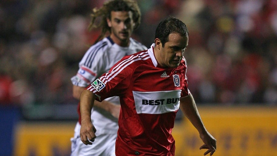 BRIDGEVIEW, IL - NOVEMBER 14: Cuauhtemoc Blanco #10 of the Chicago Fire brings the ball upfield in front of Kyle Beckerman #5 of Real Salt Lake during the MLS Eastern Conference Championship at Toyota Park on November 14, 2009 in Bridgeview, Illinois. Real Salt Lake defeated the Fire 0-0 (5-4) in a shoot-out. (Photo by Jonathan Daniel/Getty Images)